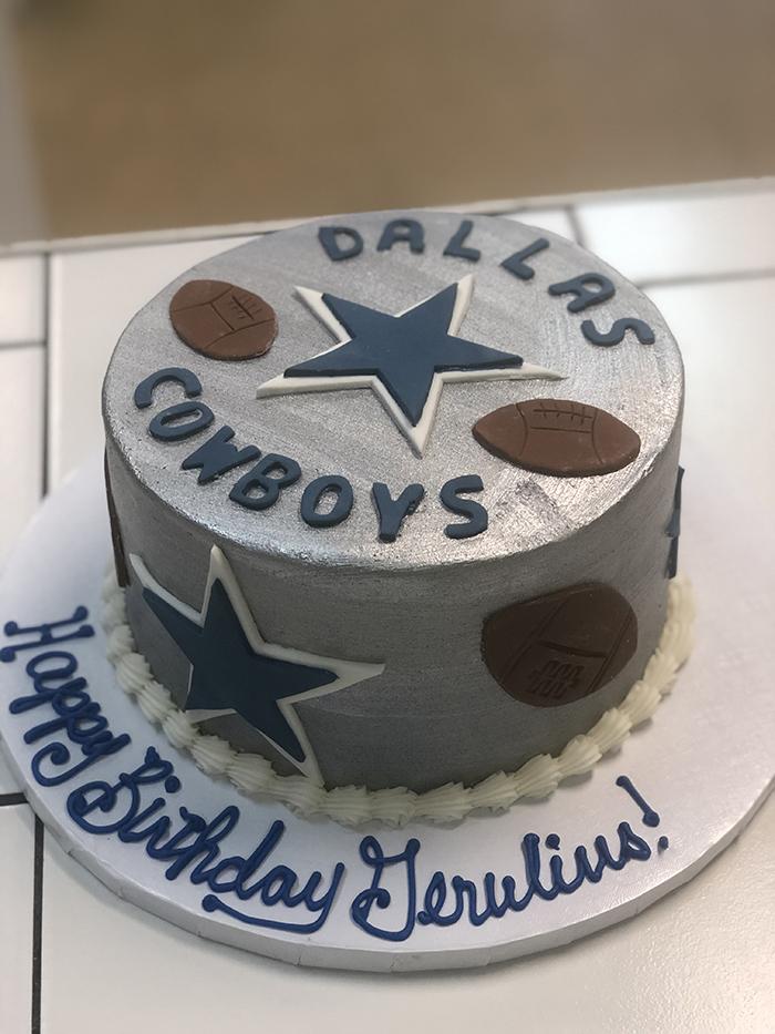 Dallas Cowboys Custom Cakes That S The Cake Bakery