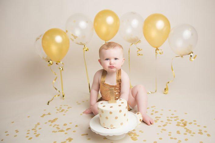Cake Smash Glasgow - girls birthday shoot