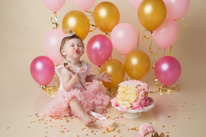 Cake Smash Glasgow -pink and gold cake smash renfrewshire