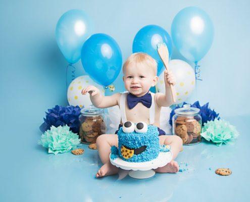 Cake Smash Photographer Glasgow - blue cookie monster cake smash