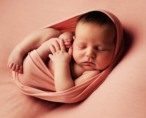 Newborn Photography Training Glasgow- egg wrap