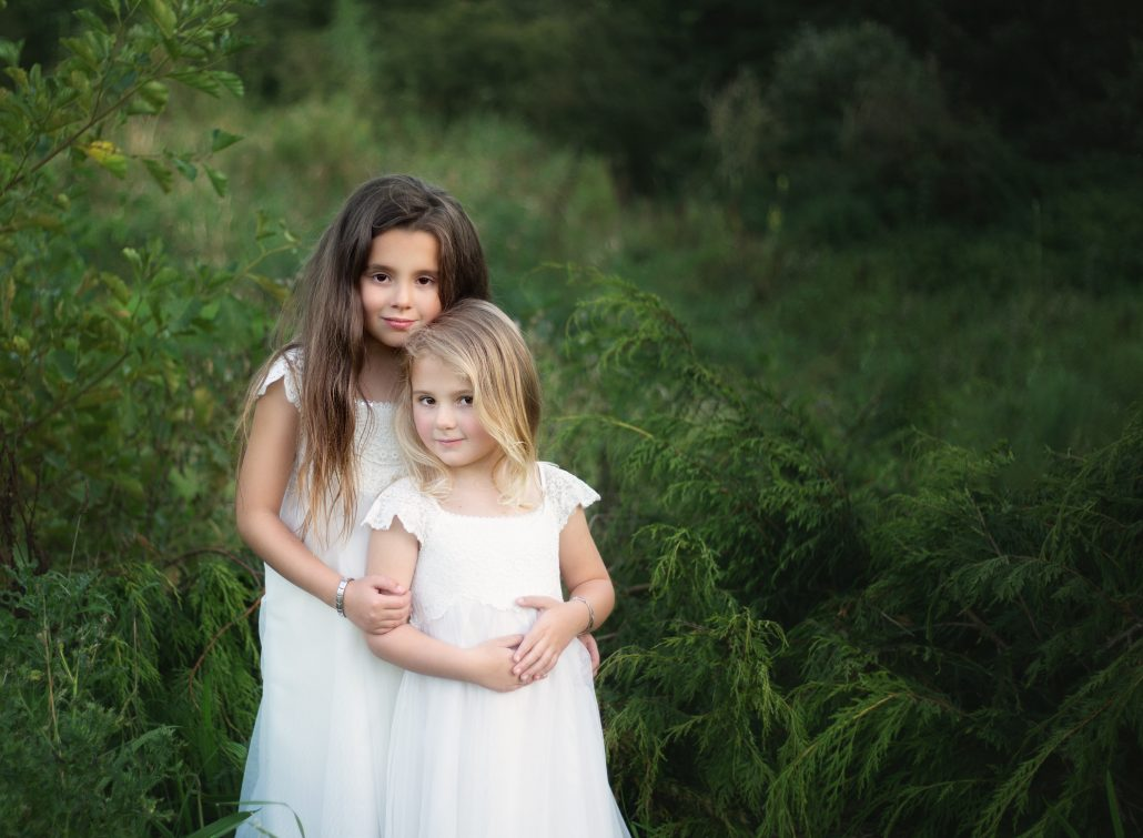 sisters outdoors photo shoot glasgow
