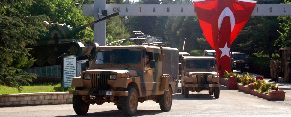 Türkei stationiert Militär an der Grenze zu Syrien