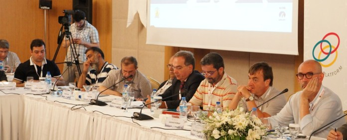 Die Abant-Plattform diskutierte über die Rolle der türkischen Medien
