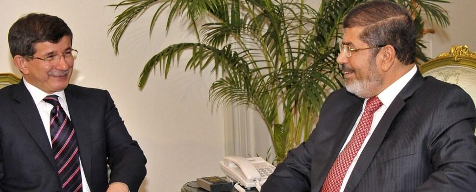 """""""Islamisches Quartett"""" in Kairo – Morsi und Davutoğlu sprechen über Rolle Irans"""