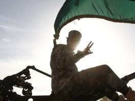 Ein Ex-Militär versuchte am Freitag, die libysche Regierung zu entmachten. Der Putsch scheiterte. Doch die Lage in Libyen bleibt weiter unübersichtlich.