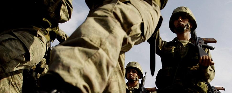 Misshandlungen treiben viele Soldaten in den Selbstmord