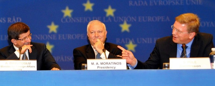 "Zweierlei Maß in Brüssel? ""Präsidialsystem widerspricht EU-Standards"""