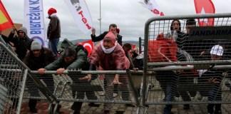 Proteste hindern Justiz an der Fortsetzung des Jahrhundertprozesses