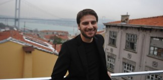 Musik in sechs Sprachen über die Liebe zum Propheten