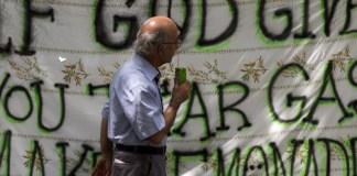 """Die neue Sprache der Politik: """"Gewalt ist keine Lösung"""""""