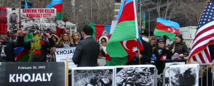 "Massaker von Chodschali: Armenien hält ""Provokateurin"" tagelang fest"