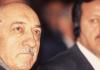 Fethullah Gülen und Recep Tayyip Erdogan im Jahre 1998. Zuletzt nahmen die Spekulationen, wonach es in der Türkei einen Machtkampf zwischen der AKP und der Hizmet-Bewegung gebe, zu.