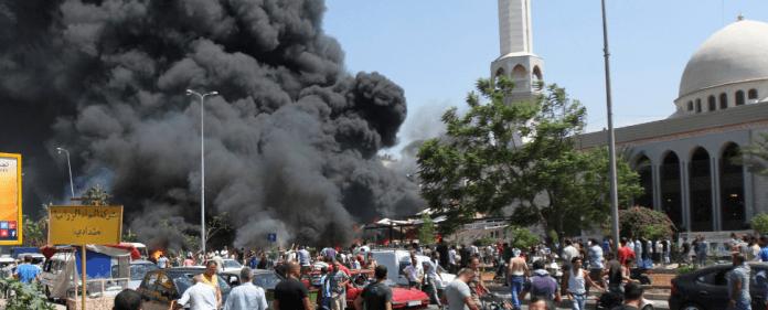 In der libanesischen Stadt Tripoli explodierten nach dem Freitagsgebet zwei Bomben vor Moscheen.