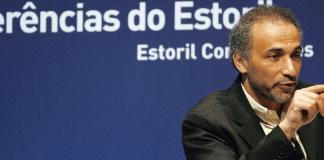 Der Schweizer Islamwissenschaftler Tariq Ramadan hält eine Rede in Portugal.
