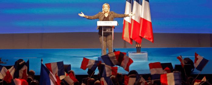 Marine Le Pen, Vorsitzende der rechtsextremen französischen Partei Front National während einer Rede auf einem Parteikongress in Marseille am 15.09.2013.