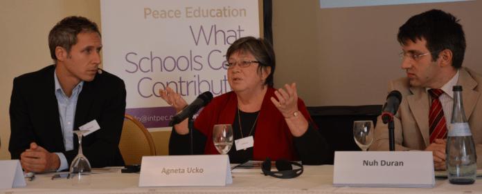 Die schweizer Bildungswissenschaftlerin Agneta Ucko während der Friedenspädagogik-Konferenz in Schwetzingen im Oktober 2013.