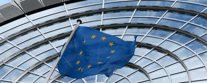 EU Flagge in Brüssel - reuters