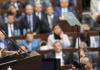 Der türkische Premierminister Erdogan spricht im türkischen Parlament zu Ankara.