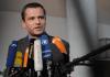 Der niedersächsische SPD-Abgeordnete und designierte Vorsitzende des Neonazi-Untersuchungsausschusses, Sebastian Edathy, gibt am 27.01.2012 in Berlin vor der konstituierenden Sitzung des Ausschusses ein Interview.