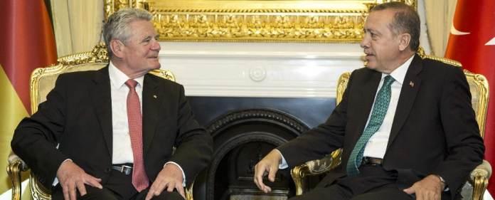 Bundespräsident Gauck im Gespräch mit dem türkischen Premier Erdogan.