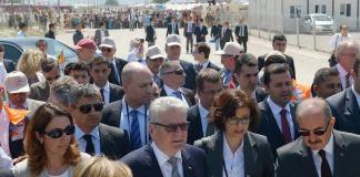 Türkei-Besuch: Bundespräsident Gauck trat am Samstag seinen Besuch in der Türkei an. In Kahramanmaraş besucht er syrische Flüchtlinge und deutsche Soldaten.