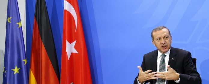 Türkei in deutschen Medien: Im Vorfeld des Auftritts des türkischen Premierministers Erdoğan in Köln mehrt sich die Kritik von Politikern und Medien.