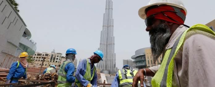 In Dubai arbeiten viele Bauarbeiter im Freien in der heißen Sonne. Eine Zwangsmittagspause soll sie nun schützen.