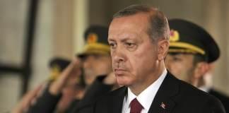 Die Amtszeit Recep Tayyip Erdoğans als Premierminister wurde zum Beginn und zum Ende mit türkischen Staatsbürgern in fremder Gefangenschaft überschattet. Dazwischen lagen Jahre großartiger Errungenschaften, aber auch tiefer Krisen.