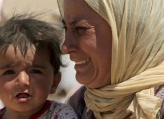 """Im jesidischen Dorf Kocho in der Region Shingal haben Terroristen des """"Islamischen Staates"""" mindestens 100 Menschen getötet. Zuvor hatten benachbarte sunnitisch-arabische Stämme sich erfolglos für die Jesiden eingesetzt. (rtr)"""