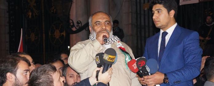 Der Vorsitzende der İHH, Bülent Yıldırım, rief alle Muslime dazu auf, sich zu vereinigen, um die al-Aqsa-Moschee zu beschützen.