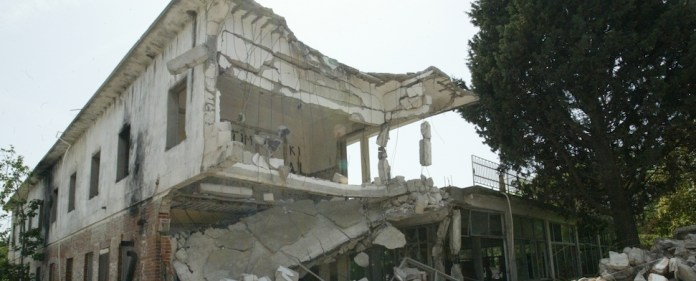 Ein armenisches Waisenhaus soll wieder neu aufgebaut werden.