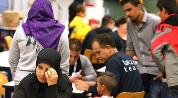 Flüchtlingshilfen, Flüchtlinge, Facebook, Trend