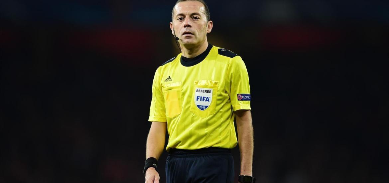 türkischer Schiedsrichter Cüneyt Cakir