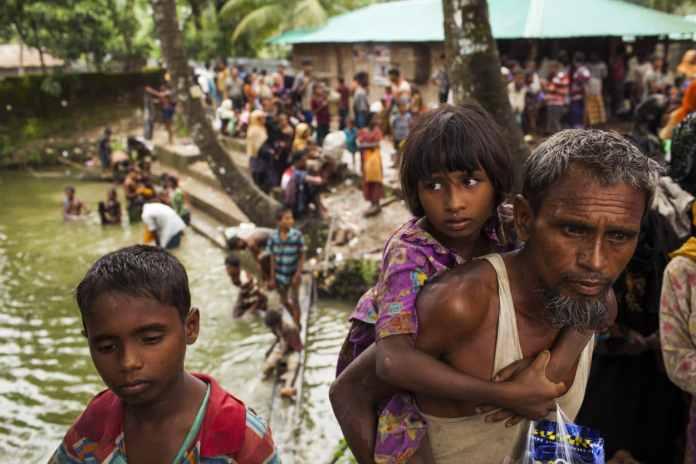 Rohingya-Muslime auf der Flucht in Bangladesch