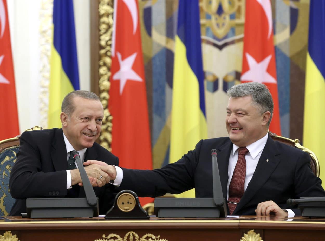 Poroschenko spricht - und Erdogan döst ein