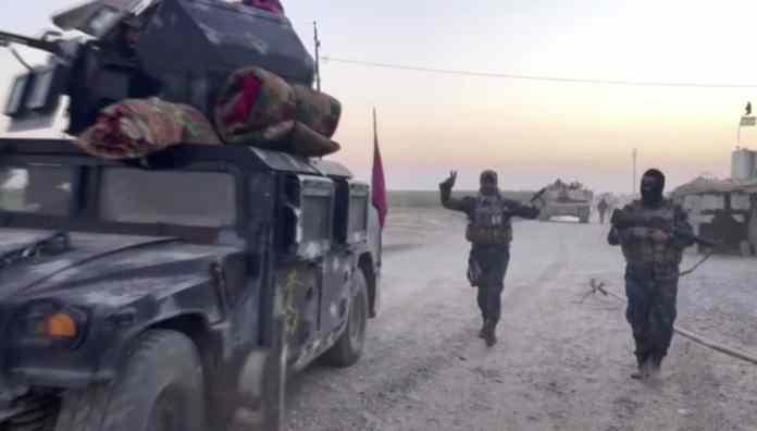 Das Standbild aus einem Video zeigt irakische Soldaten am 16.10.2017 im Qatash-Gebiet südlich von Kirkuk (Irak). Irakische Truppen sind nach Angaben des Staatsfernsehensin vonden kurdischen Peschmerga-Einheiten kontrollierteGebieteder irakischen Provinz Kirkuk eingedrungen