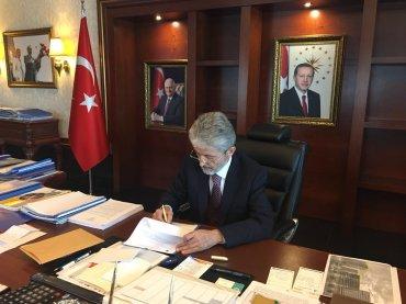 Tuna Ankara Twitter 370x277 -