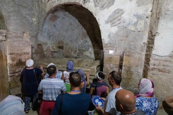 Pilgerer besuchen das Haus des Nikolaus. Demre/Antalya.