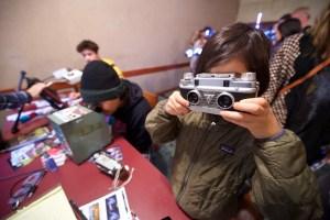 kids using viewfinders