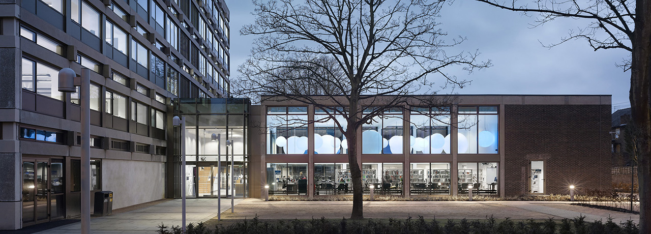 UCEN Manchester The Manchester College M10 Which