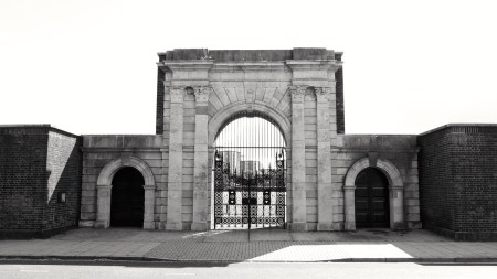 King James Gate Portsmouth 1687