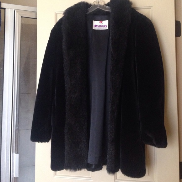 monterey fashions Jackets   Coats   Black Faux Fur Jacket Size 10     MONTEREY FASHIONS BLACK FAUX FUR JACKET SIZE 10