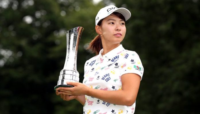 Hinako Shibuno with trophy 752x428 - EXCLUSIVE – Sky Sports commentator urges golf fans to embrace the women's game