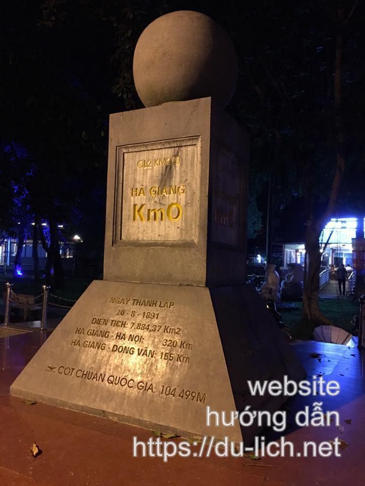 Hình ảnh cột mốc KM số 0 Hà Giang