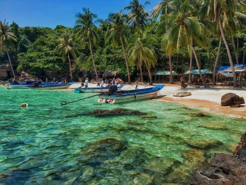 Hình ảnh Hòn Móng Tay ở phía nam đảo Phú Quốc