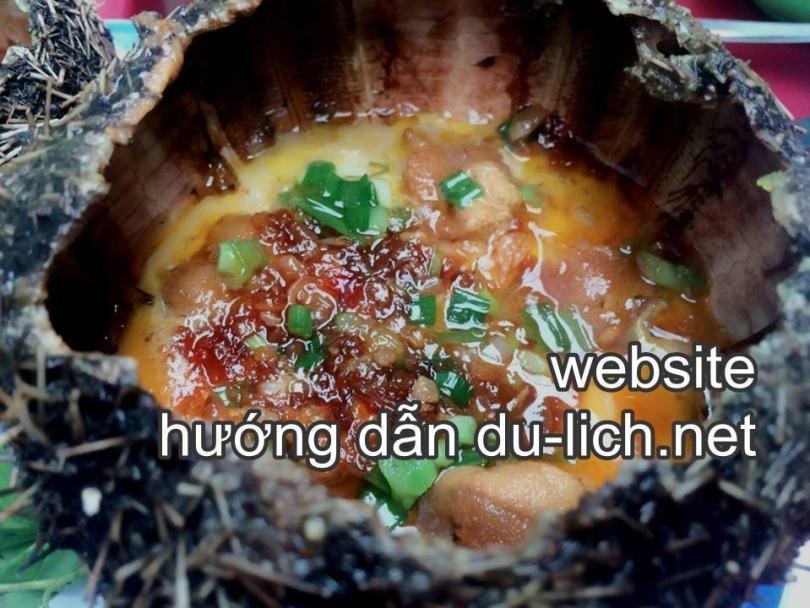 Các món hải sản ở quán Thanh Sương Cầu Đá Vĩnh Nguyên: món nhum nướng trứng