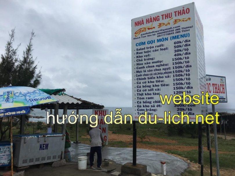 Bảng giá các món ăn nhanh ở nhà hàng Thu Thảo nằm giữa khu du lịch Gành Đá Đĩa