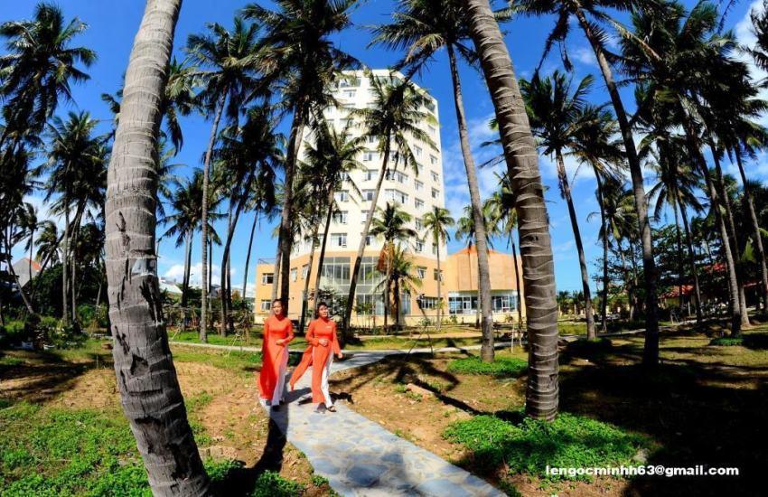 Hình ảnh khách sạn gần biển Tuy Hòa: gần biển và cầu Hùng Vương