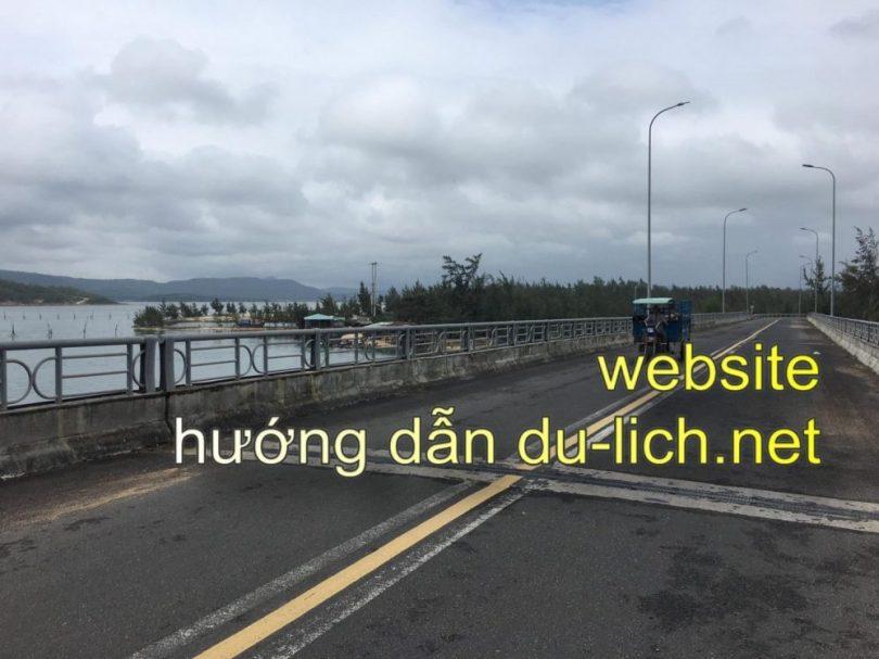 Cây cầu An Hải bắc ngang qua đầm Ô Loan